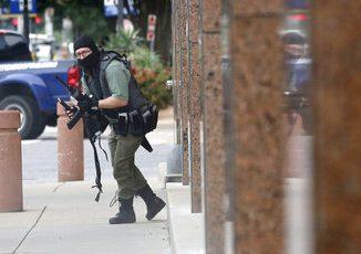 masked gunman killed dallas courthouse