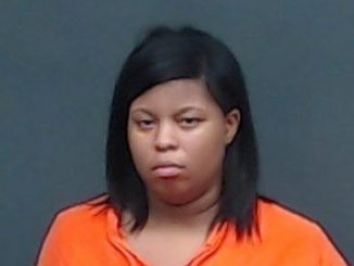 texarkana woman wanted deadly conduct